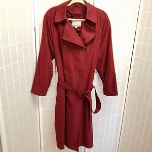Absolutely stunning/flawless London Fog trench 14